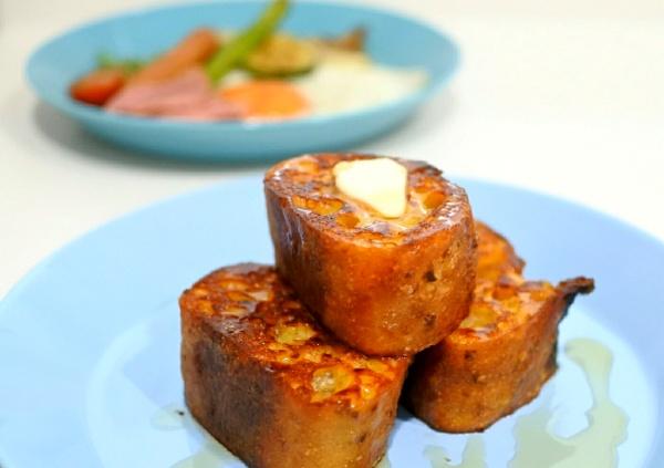 好きな朝のひとり時間を有効活用。朝ごはんはフレンチトースト&野菜グリル
