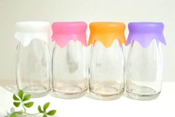 懐かしの?? 牛乳瓶がカラフルなシリコーンキャップで便利に!【グーニュービン】